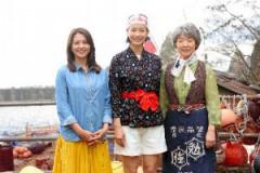 (左から)天野春子、アキ、夏