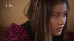 作中、ユイはさまざまな顔を見せる